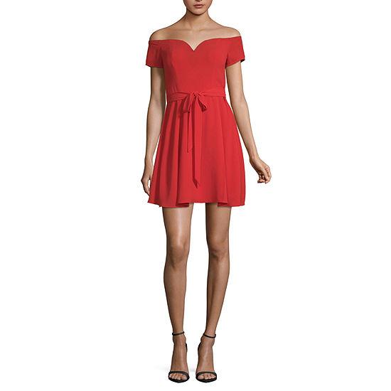 B. Darlin Short Sleeve Maxi Dress-Juniors