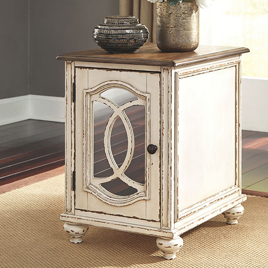 Signature Design by Ashley® Realyn Chairside Table