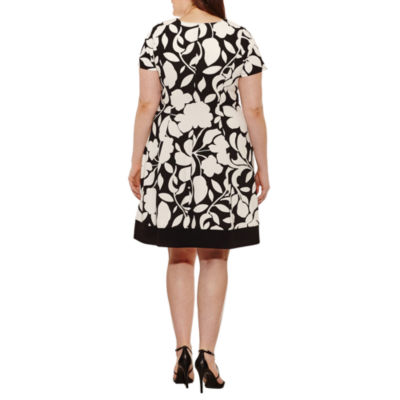 Robbie Bee Short Sleeve Floral Fit & Flare Dress-Plus