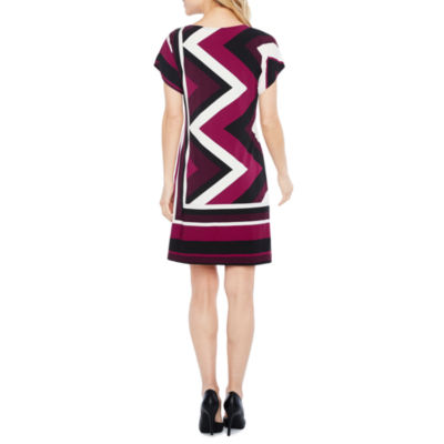 Studio 1 Short Sleeve Chevron Shift Dress