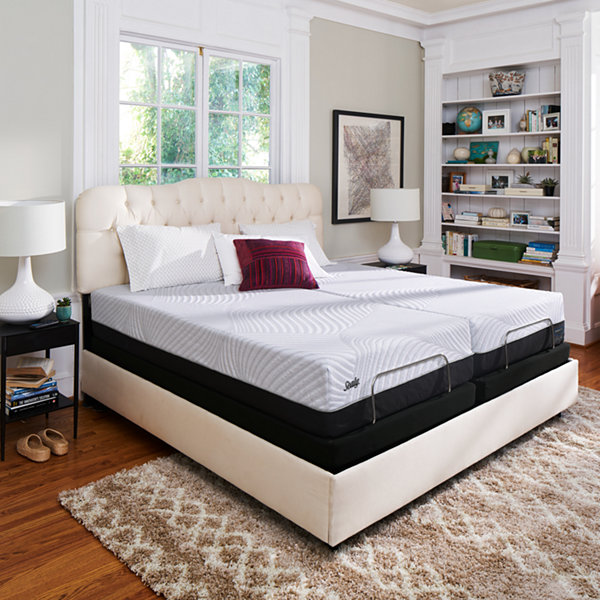Sealy® Conform Performance Thrilled Plush - Mattress + Box Spring