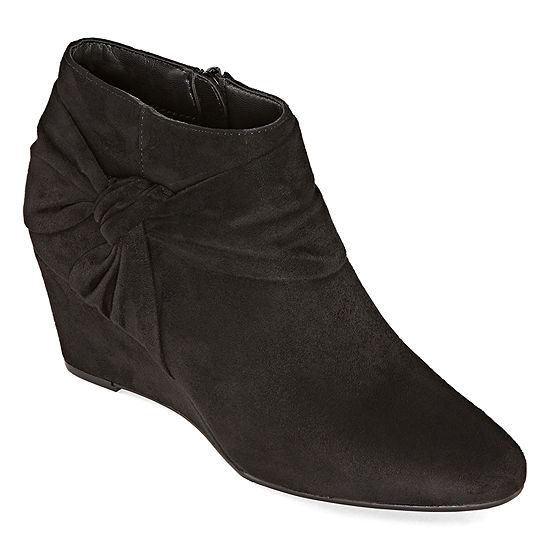 Andrew Geller Womens Yeve Wedge Heel Booties