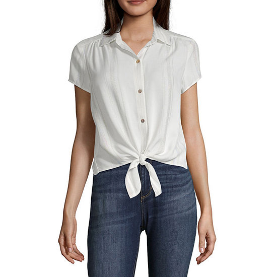 Inspired Hearts Womens Short Sleeve Fitted Button-Front Shirt-Juniors