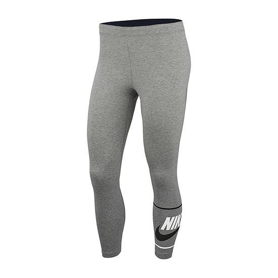 Nike Club Crop Capris