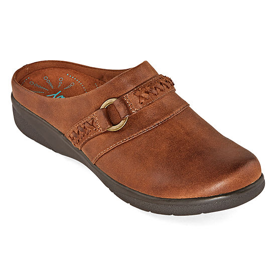 Yuu Womens Delfine Slip-on Round Toe Clogs