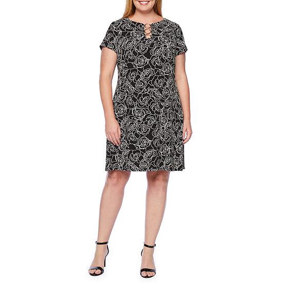 MSK-Plus Short Sleeve Floral Shift Dress