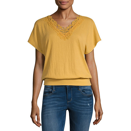 by&by V Neck Short Sleeve Knit Blouse-Juniors