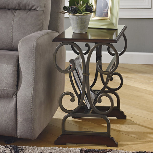 Signature Design by Ashley® Braunsen Chairside Table