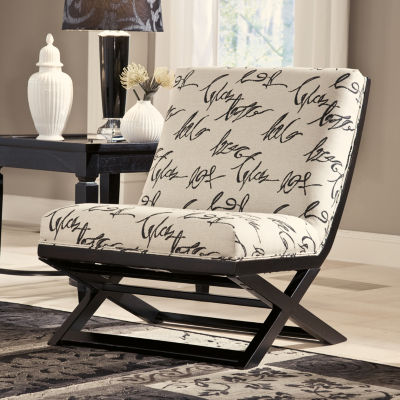 Signature Design by Ashley® Levon Showood Accent Chair