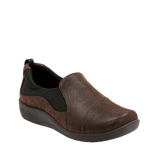 Clarks Womens Slip-On Shoe Round Toe