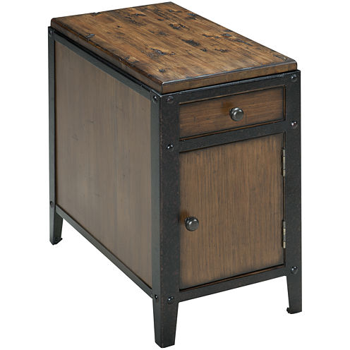 "Ironwood Distressed Pine Single-Drawer 24"" Chairside Table"