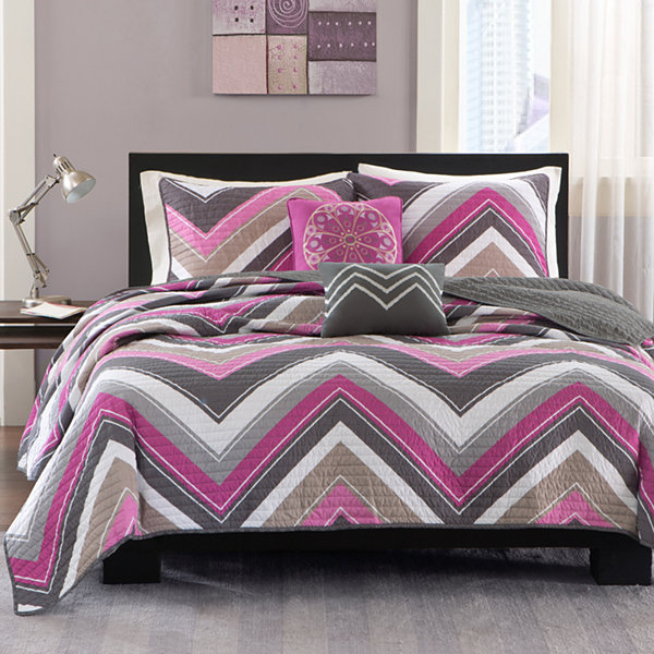 Intelligent Design Jada Chevron Quilt Set