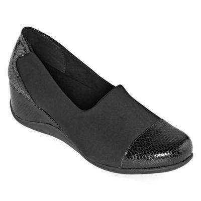east 5th Womens Edmonton Slip-On Shoe