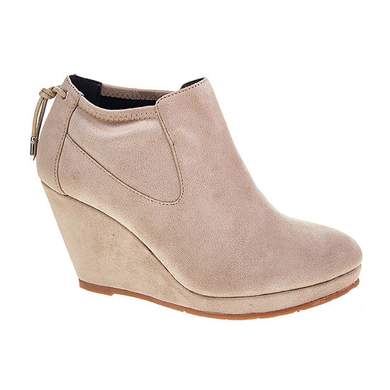 CL by Laundry Womens Varina Wedge Heel Booties