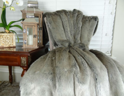 Plutus Tissavel Gray Faux Fur Handmade Throw Blanket
