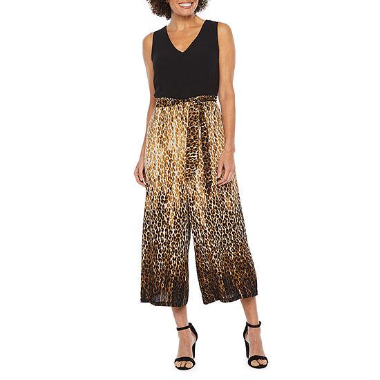Robbie Bee Sleeveless Animal Print Jumpsuit