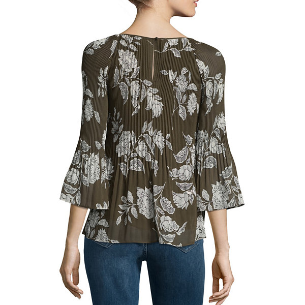 a.n.a. 3/4 Sleeve Pleated Woven Floral Blouse