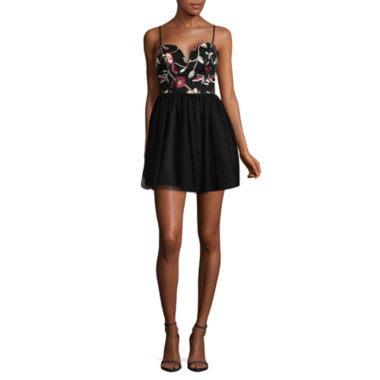 Social Code Sleeveless Party Dress-Juniors