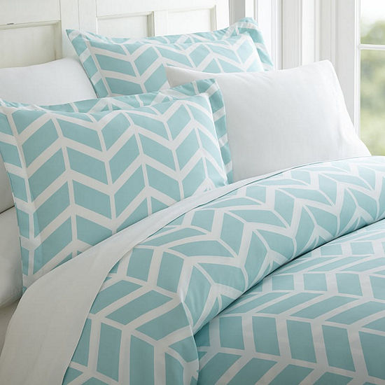 Casual Comfort™ Premium Ultra Soft Arrow Pattern Wrinkle Resistant Duvet Cover Set
