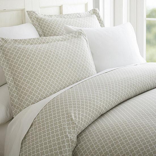 Casual Comfort Casual Comfort™ Premium Ultra Soft Quatrefoil Pattern Duvet Cover Set