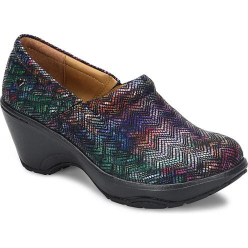Nurse Mates Bryar Womens Slip-On Shoes
