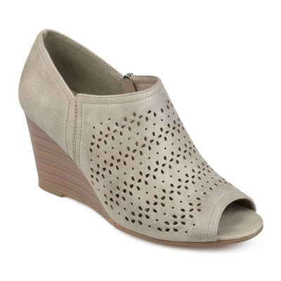 Journee Collection Britny Womens Pumps
