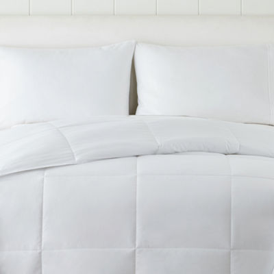 Home Expressions Extra Lightweight Warmth Down Alternative Comforter