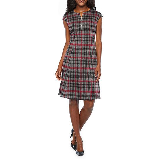London Style Short Sleeve Plaid Fit & Flare Dress