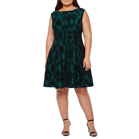 Danny & Nicole-Plus Sleeveless Medallion Fit & Flare Dress