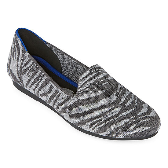 Seven 7 Womens Closed Toe Slip-On Shoe