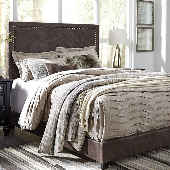 Signature Design by Ashley Dante Collection Tufted Bed
