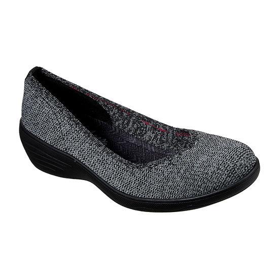 Skechers Womens Kiss  Canoodle Slip-On Shoe