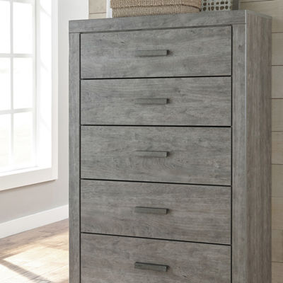 Signature Design by Ashley® Culverbach 5-Drawer Chest