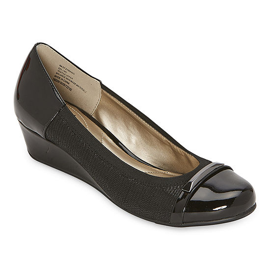 east 5th Womens Eyringo Slip-On Shoe
