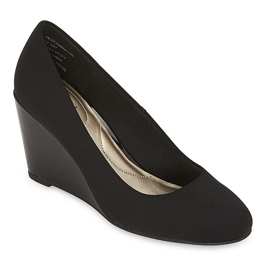 east 5th Womens Carnation Slip-On Shoe