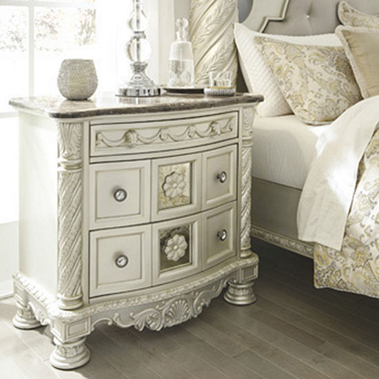 Signature Design by Ashley® Cassimore 3-Drawer Night Stand