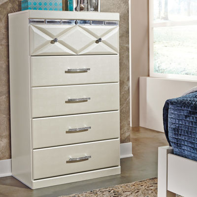 Signature Design by Ashley® Dreamur 5-Drawer Chest