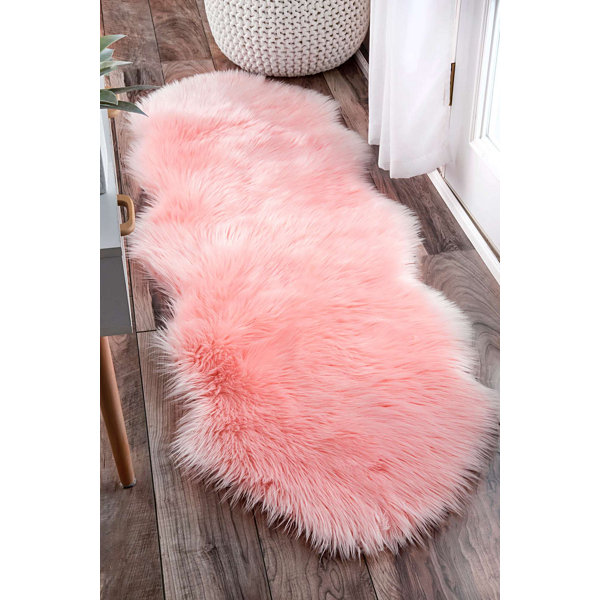 nuLoom Terrell Solid Faux Sheepskin Rug