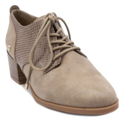 Gloria Vanderbilt Quinn Womens Oxford Shoes-Wide