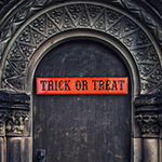 "Glitzhome Enameled Metal ""Trick Or Treat"" Wall Sign"