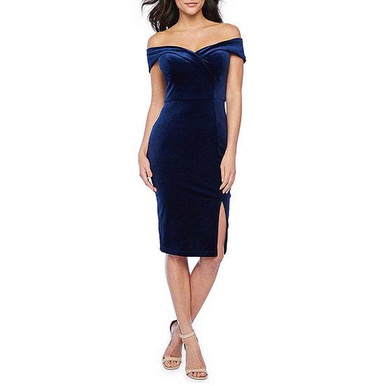 Premier Amour Off The Shoulder Velvet Sheath Dress
