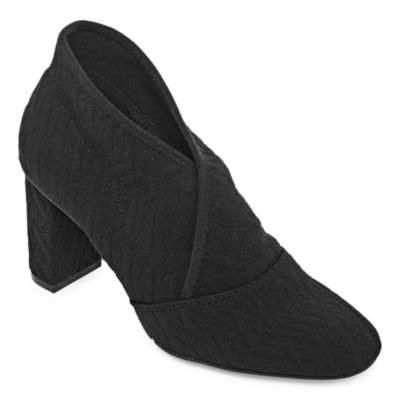 New York Transit Womens Zest For All Pull-on Closed Toe Block Heel Pumps