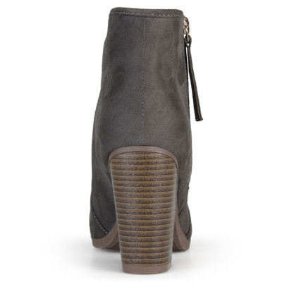 Journee Collection Womens Link-Wd Bootie Stacked Heel Zip Wide