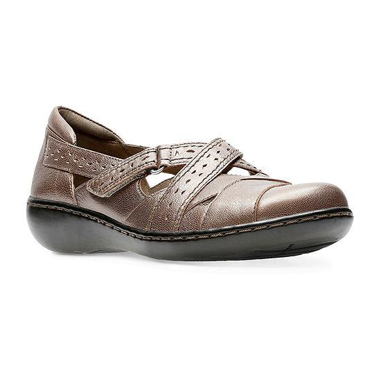 Clarks Womens Ashland Spin Q Slip-On Shoe Closed Toe