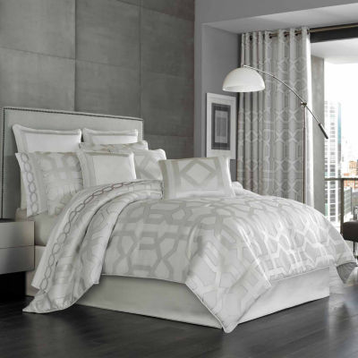 Five Queens Court Kennedy 4-pc. Damask + Scroll Heavyweight Comforter Set