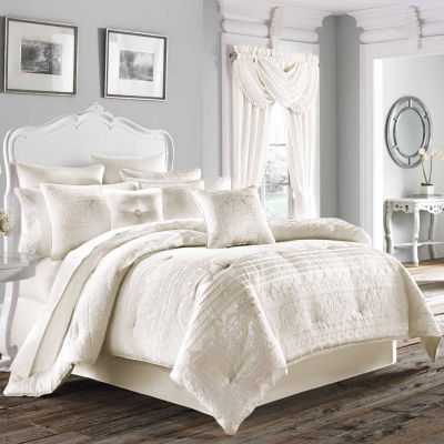 Five Queens Court Mackay 4-pc. Damask + Scroll Heavyweight Comforter Set