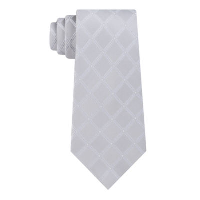 Stafford Dinner Party I Grid Tie