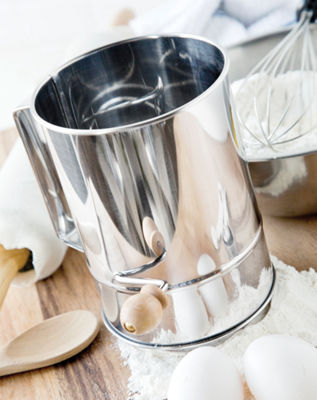 Flour Sifter  8-Cup