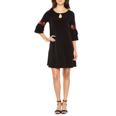 Alyx 3/4 Bell Sleeve Embroidered Shift Dress