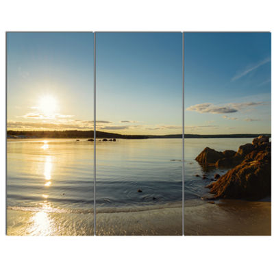 Designart Carters Beach Nova Scotia Canada Seashore Canvas Art Print - 3 Panels